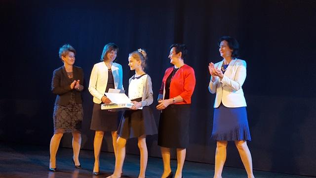 Zespół Szkół w Chorzelowie  Gala Laureatów Konkursów Przedmiotowych w roku szkolnym 2016/2017