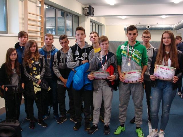 Zespół Szkół w Chorzelowie ZNAKOMITY START LEKKOATLETÓW