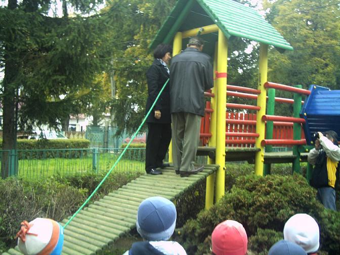 Zespół Szkół w Chorzelowie Plac zabaw